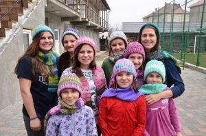 Neun Mädchen und junge Frauen